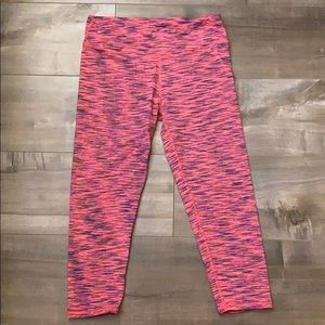 FABLETICS: Cropped Workout Leggings